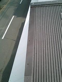 川崎市 川崎区 屋根ケラバ修理 施工後 ガルバリュウム鋼板 棟板金からみ