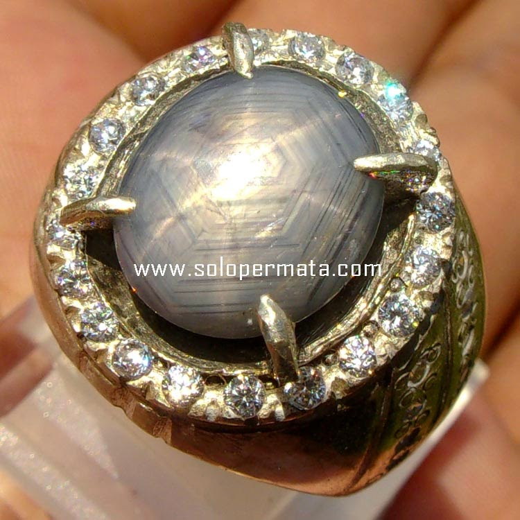 Batu Permata Bluish Grey Sapphire Star - sp035