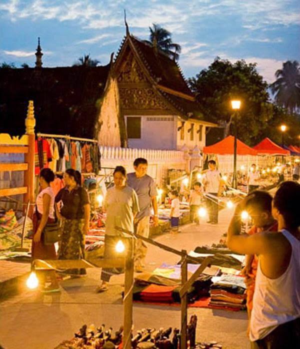 Chợ đêm ở Luông Pha Băng
