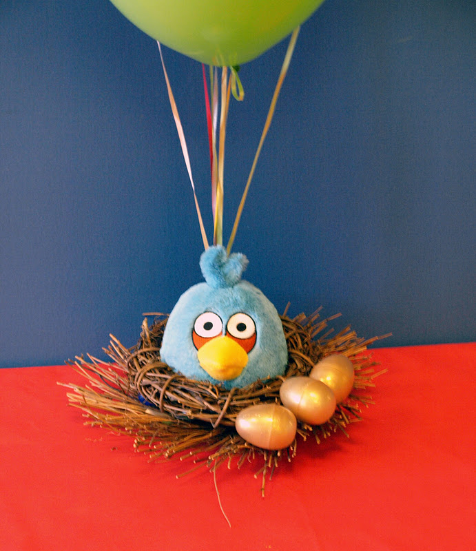 The purple pug angry friday ridic real party feature for Angry bird birthday decoration ideas