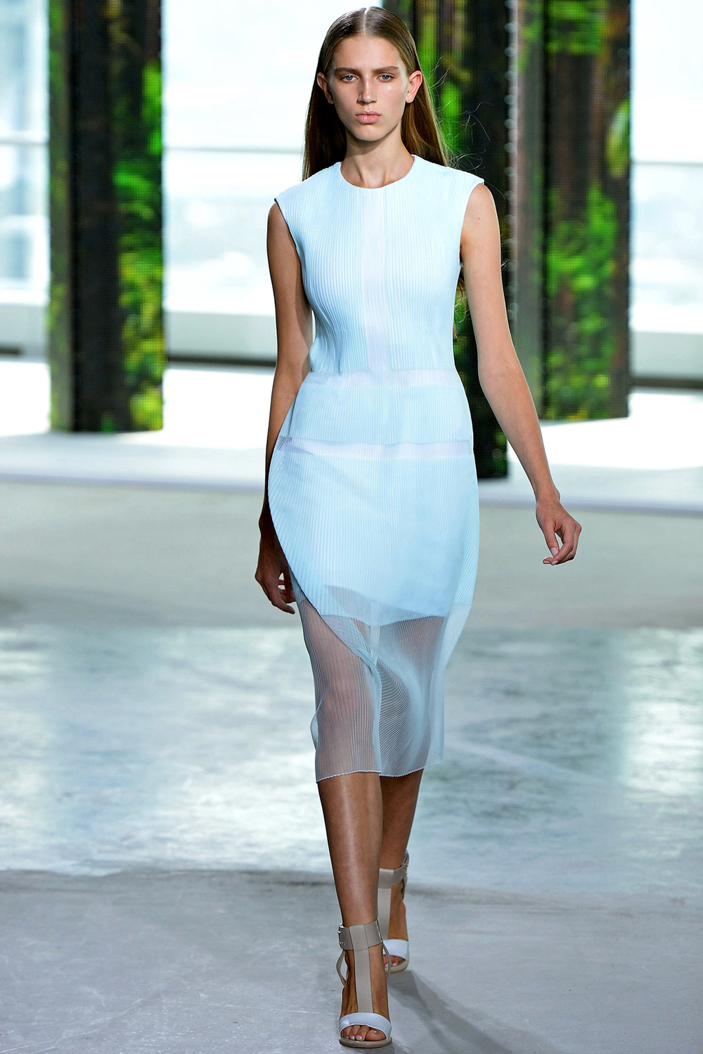 Pantone Colour Report Spring 2015 trends / aquamarine / how to wear aquamarine / outfit ideas / fashion collections S/S 2015 / Hugo Boss Spring 2015 / via fashioned by love british fashion blog