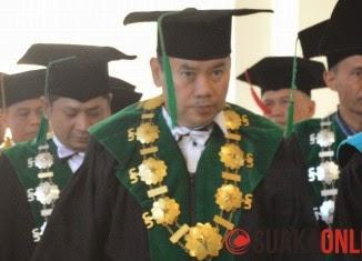 Rektor UIN Bandung Dipecat karena Salah Gunakan Wewenang
