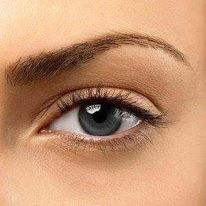 Tips menghilangkan garis halus dibawah mata