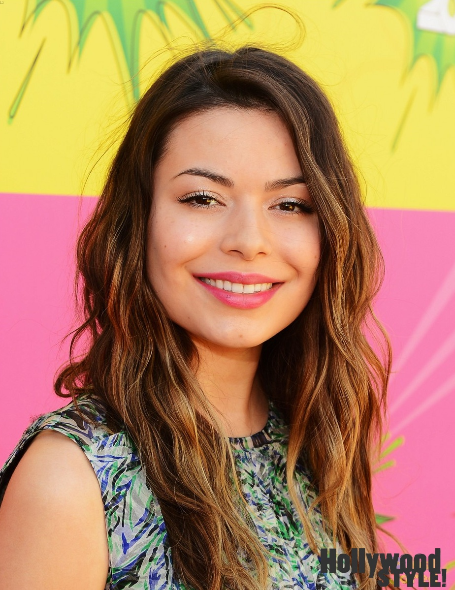 Miranda Cosgrove: Alfombra Púrpura De Los Kids' Choice Awards 2013