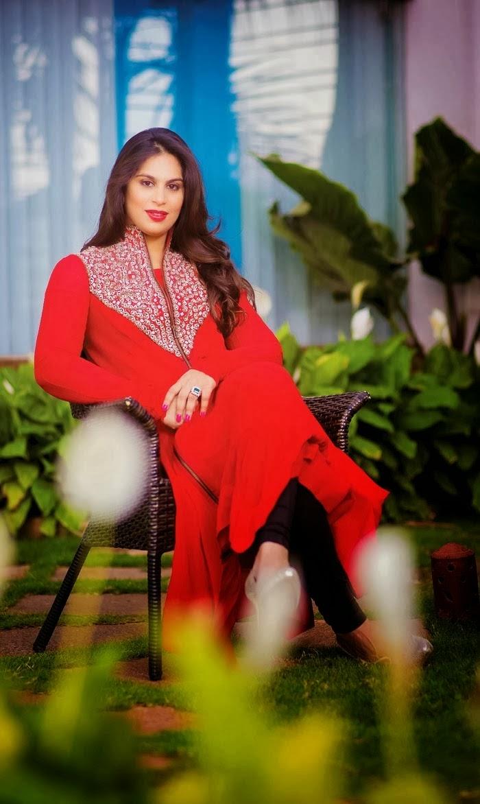 RAM CHARAN WIFE UPASANA KAMINENI LATEST PHOTOS   Tolly Fame