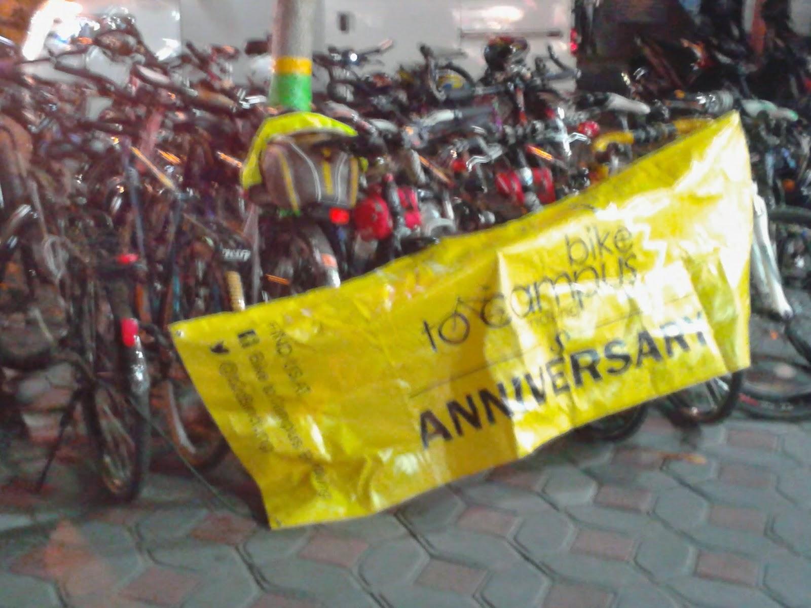 Sepeda terparkir rapi diparkiran Eiger Simanjuntak Jogja