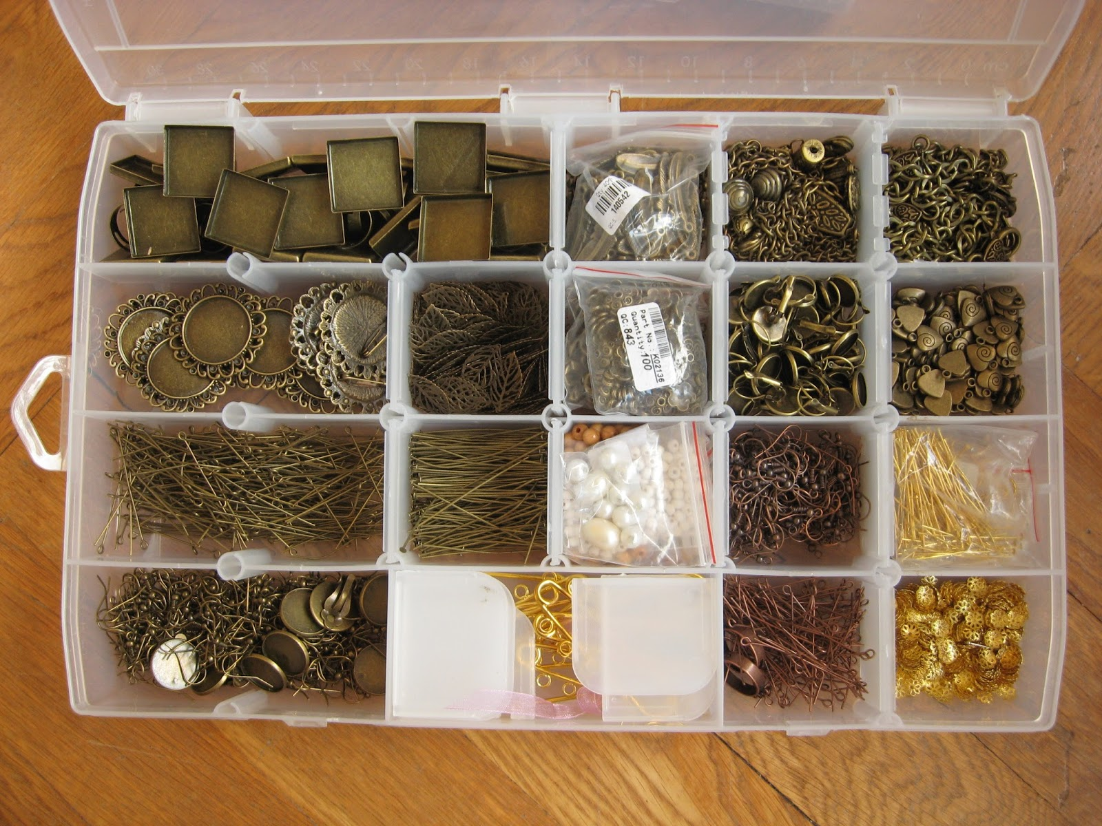 boîte rangement bronze or doré