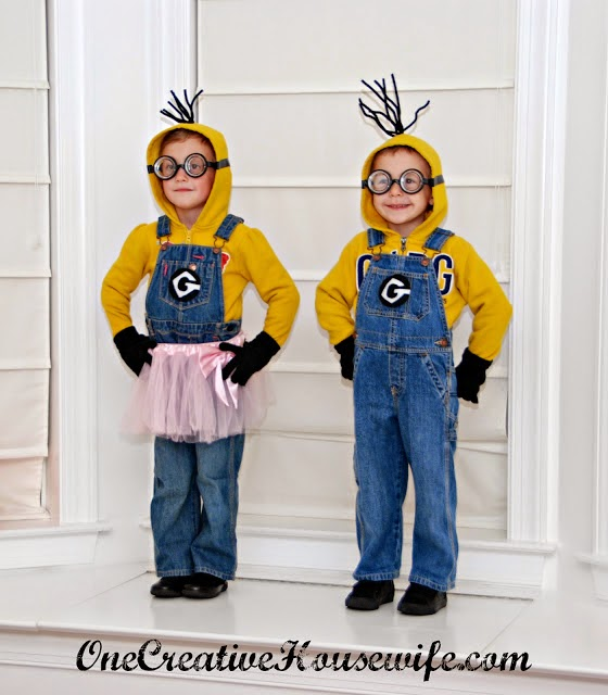 http://www.onecreativehousewife.com/2012/10/despicable-me-minion-costumes-tutorial.html