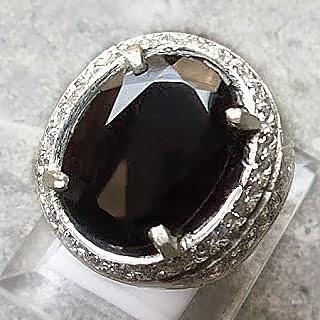 Batu akik cincin garnet hitam atau black garnet