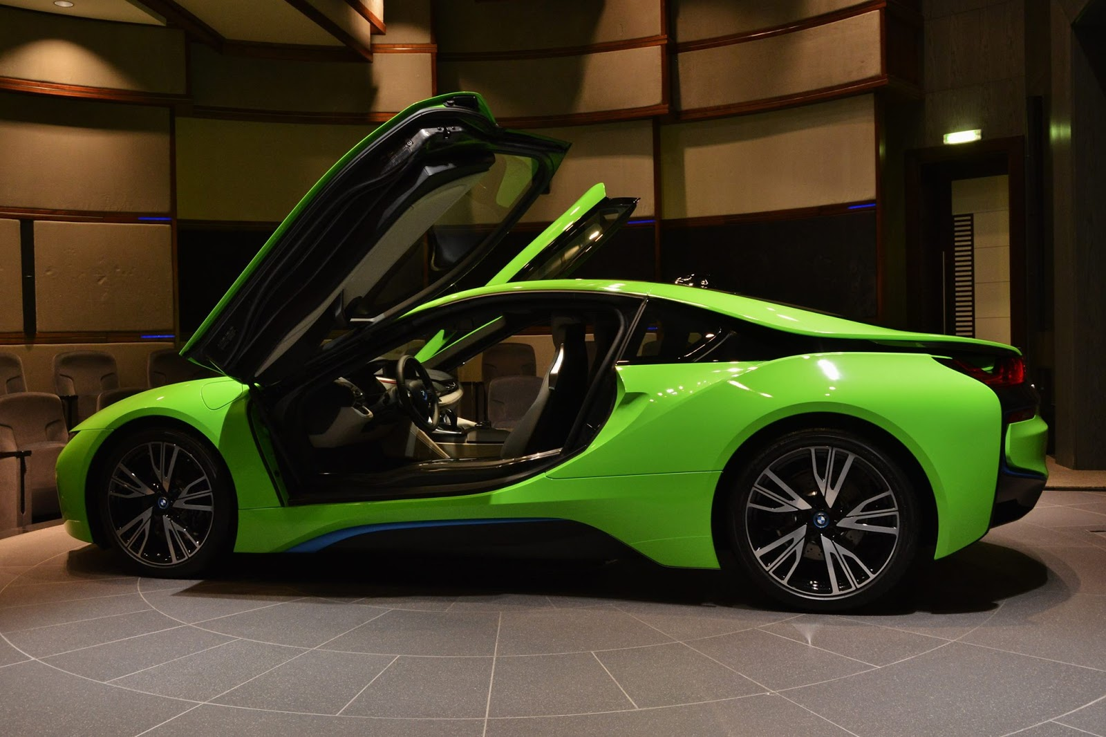Car Paint Colors >> Ever Seen a Lime Green BMW i8 Before? | Carscoops