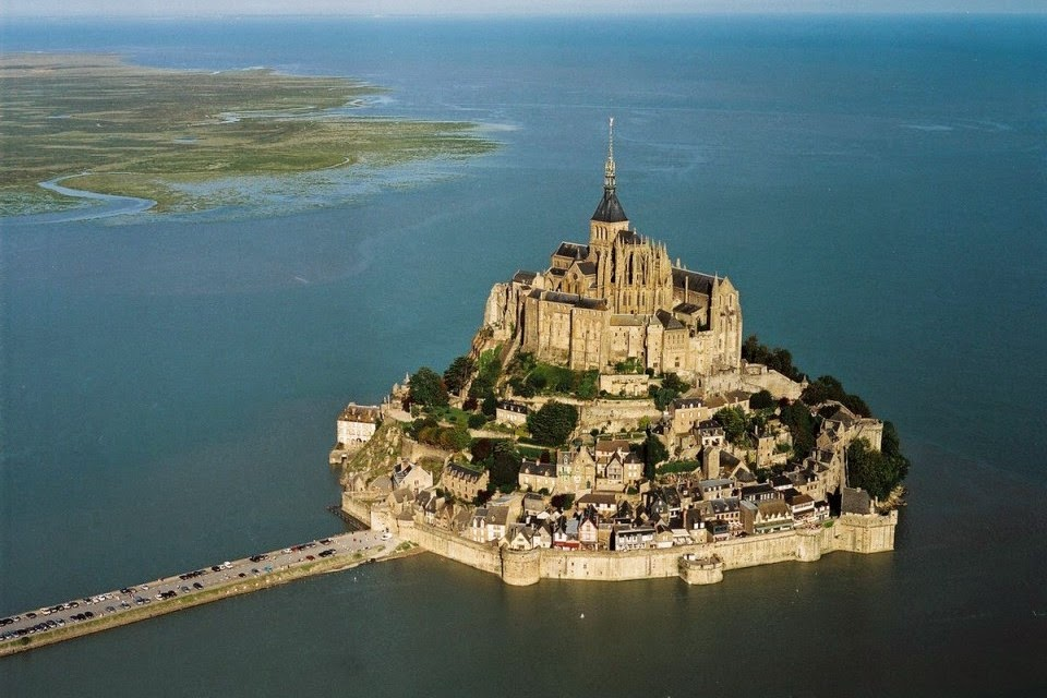Top Most Beautiful Castles In World