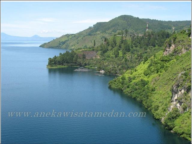 Paket tour Medan Taman simalem Resort