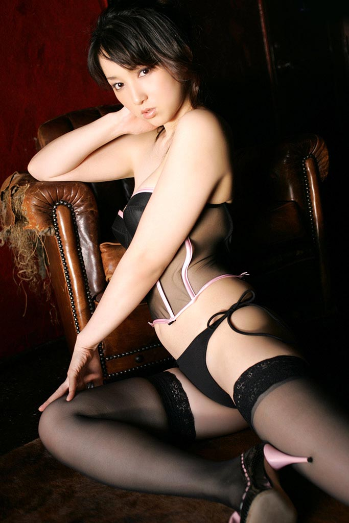 atsuko yamaguchi sexy lingerie photos 01