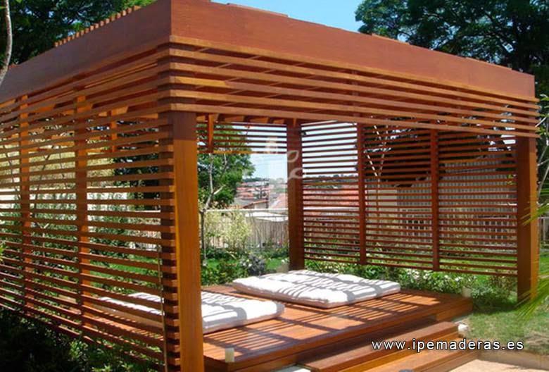 prgola rectangular de madera con deck de madera