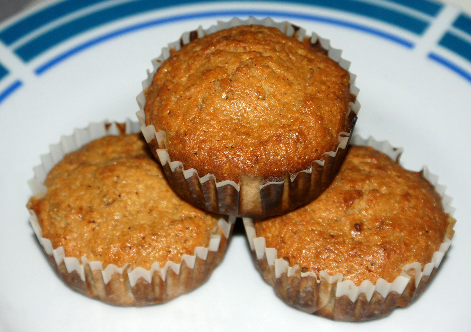 Marmalade Breakfast Muffins: A classic breakfast corn and wheat flour muffin flavoured with marmalade and citrus zest. Delicious and ready in less than 30 minutes from when you first begin to prepare them.
