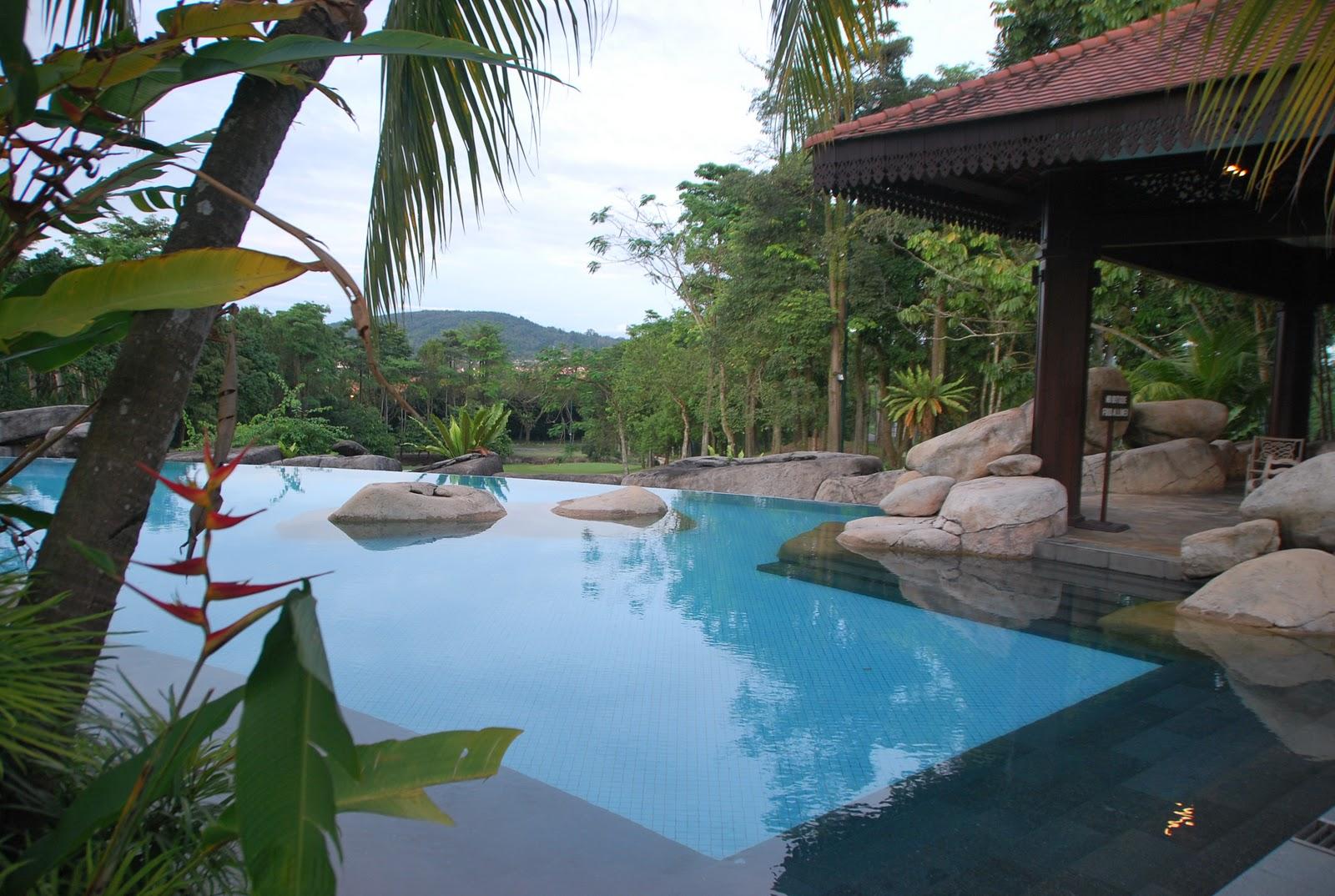 4th swimming pool Sebelah 2nd swimming pool More santai and relax