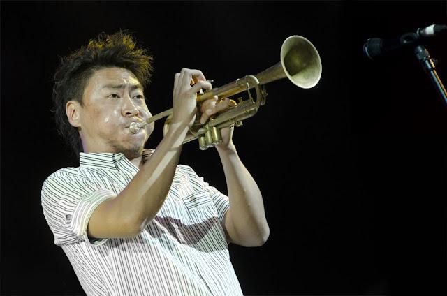 Takuya Kuroda - Festival de Jazz de Vitoria - Polideportivo de Medizorrotza (Vitoria) - 14/7/2011