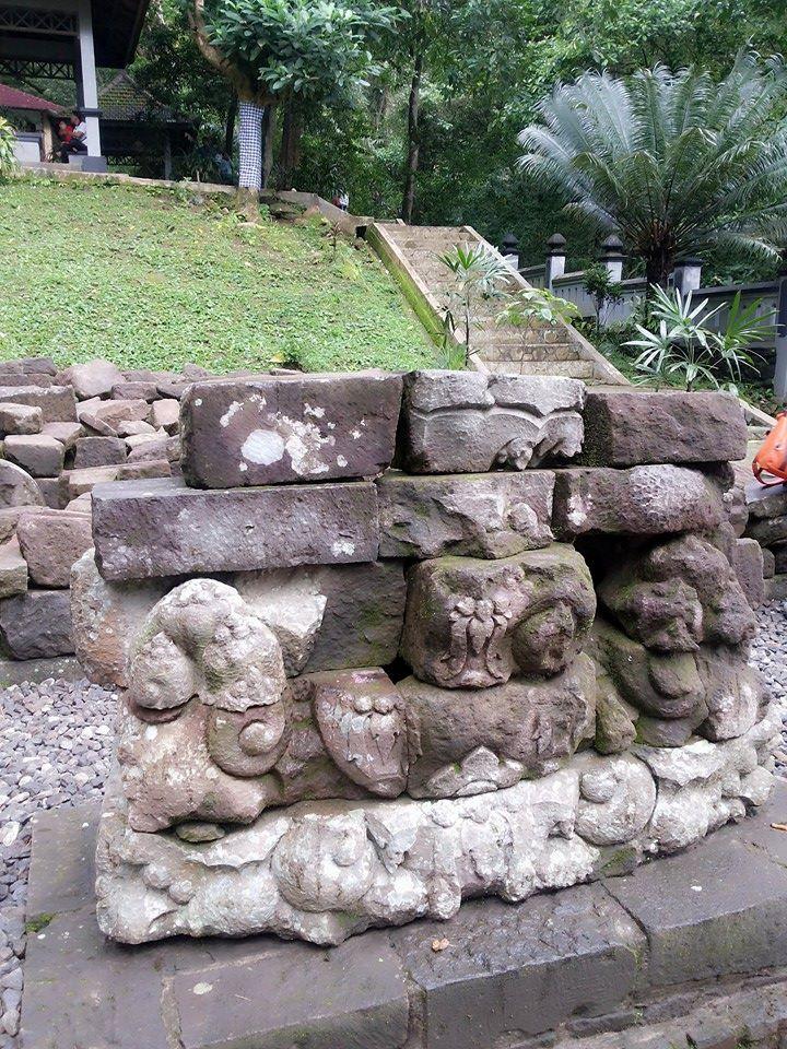 Pertirtaan Zaman Airlangga - Candi Jolotundo - Mojokerto