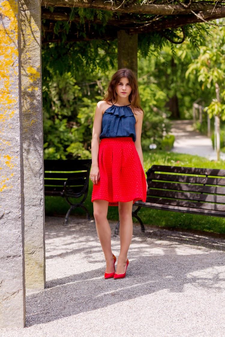 Cómo Vestir con Zapatos de Tacón Rojos