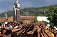 Cortejo do pau da bandeira em Barbalha.
