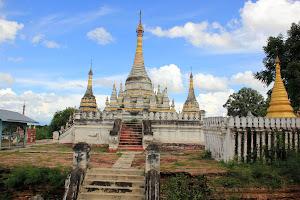 Sandamuni Payas: Pagodas y estupas en Ava (Mandalay - Myanmar)