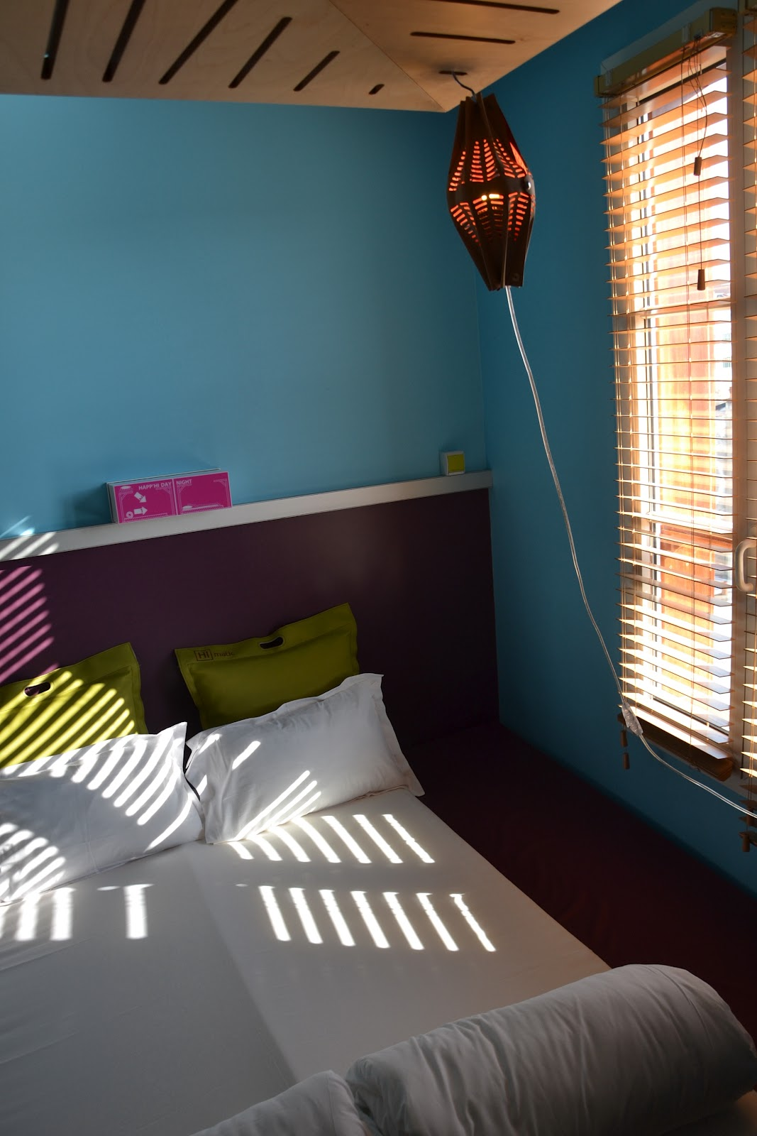 inside is beautiful paris smallest details deserve design. Black Bedroom Furniture Sets. Home Design Ideas