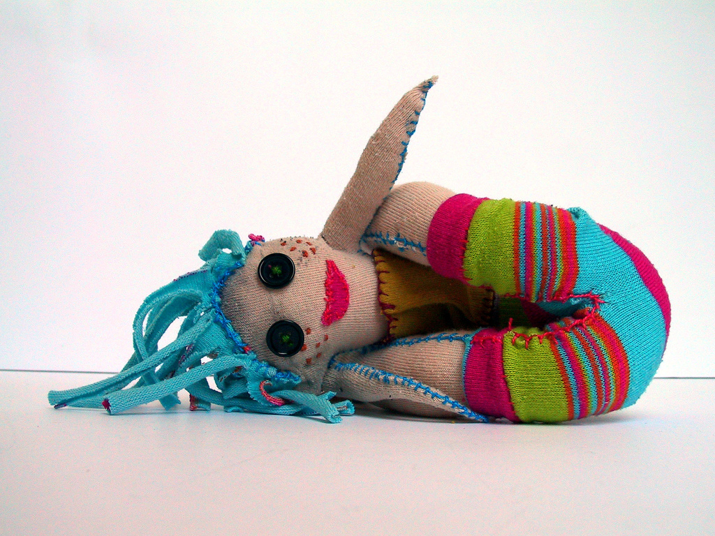 http://1.bp.blogspot.com/-JntAIzGYIQw/T42761yTQeI/AAAAAAAAADc/pHl-mL012l8/s1600/Custom-Toys-Craft-Dolls-Wallpaper-20.jpg