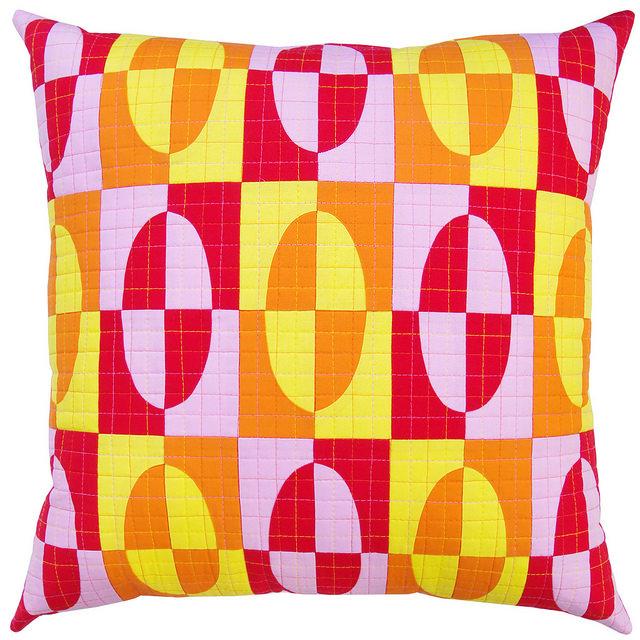 Drunkard's Path Pillow in Robert Kaufman Kona Cottons by Red Pepper Quilts