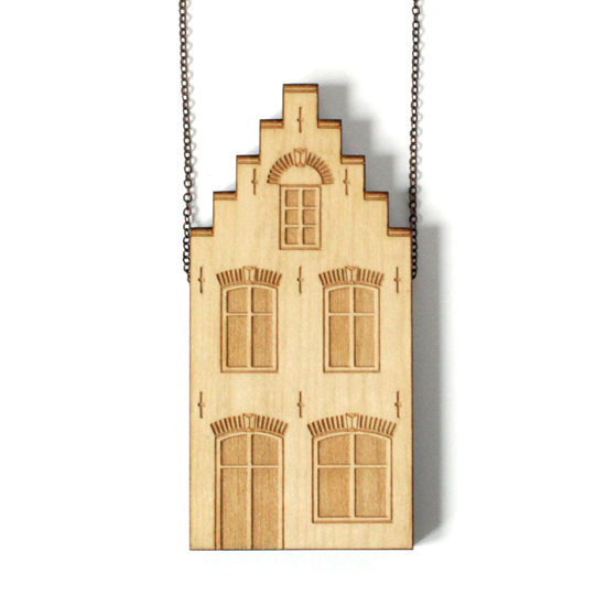 http://www.lesfollesmarquises.com/product/pendentif-bois-massif-delft