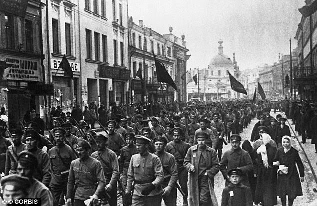 What are some important things i'll need to know when writing an essay on the russian revolution?