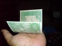 duit sukarno bergulung
