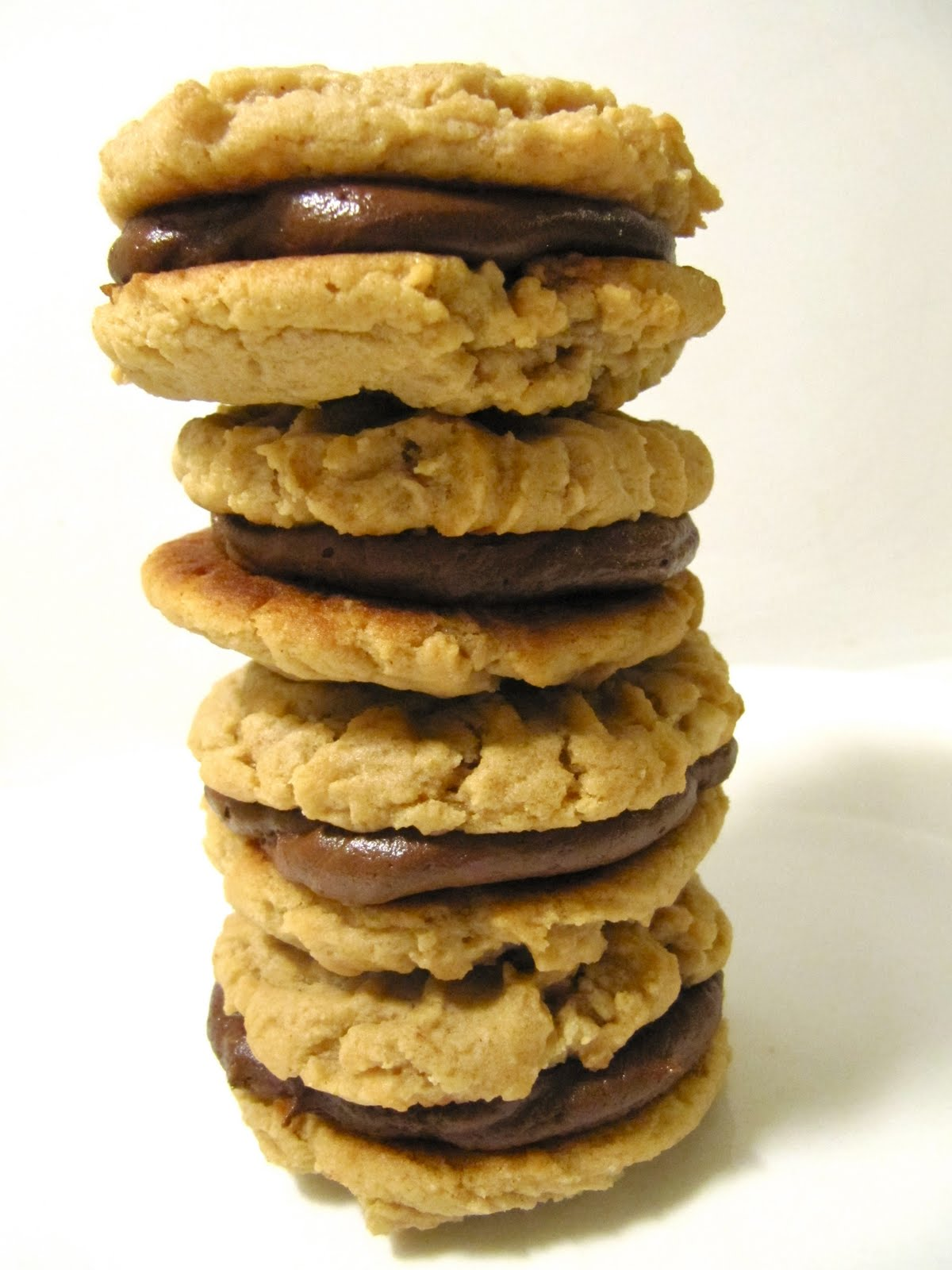 Yammie's Noshery: Chocolate Peanut Butter Cookie Sandwiches