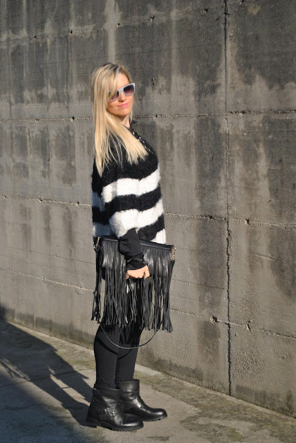 maglia bianca e nera abbinamenti bianco e nero come abbinare il bianco e nero how to wear black and white how to combine black and white how to match black and white black and white inspiration  blonde girl blonde hair blondie outfit casual invernali outfit da giorno invernale outfit gennaio 2016 january  outfit january 2016 outfits casual winter outfit mariafelicia magno fashion blogger colorblock by felym fashion blog italiani fashion blogger italiane blog di moda blogger italiane di moda fashion blogger bergamo fashion blogger milano fashion bloggers italy italian fashion bloggers influencer italiane italian influencer