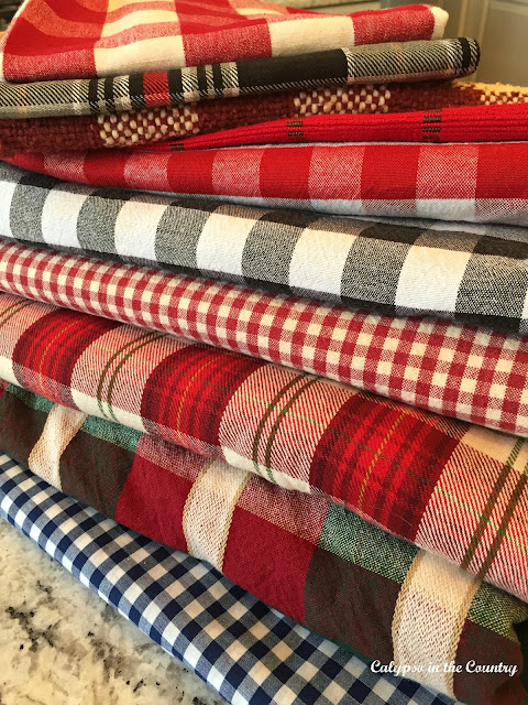 Plaid Table Settings