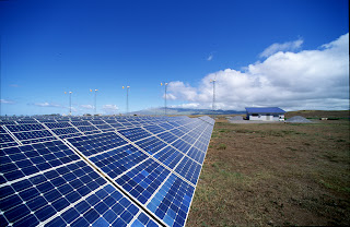 Solar photovoltaic array