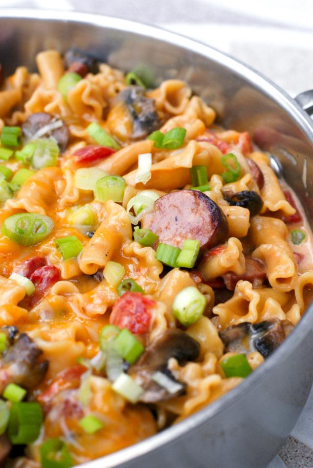 One Pot Cheesy Kielbasa Pasta | thetwobiteclub.com