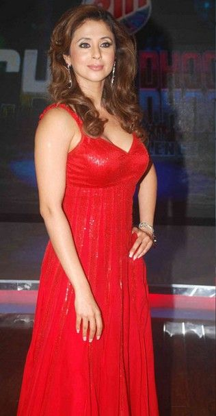 urmila matondkar,bollywood actress, deep cleavage, red gown, hot photo