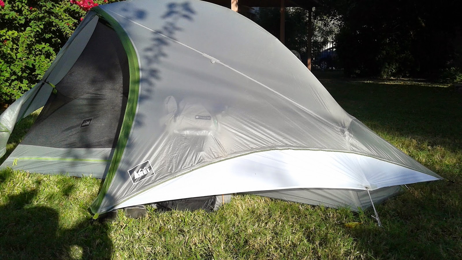 REI Dash 2 Tent Modification (in white ripstop) w/ pack underneath. After this shot I realized the tension on the foot-end side (Right side in pic) was not ... & Packman - Raised by Raccoons: REI DASH 2 TENT REVIEW u0026 MODIFICATION
