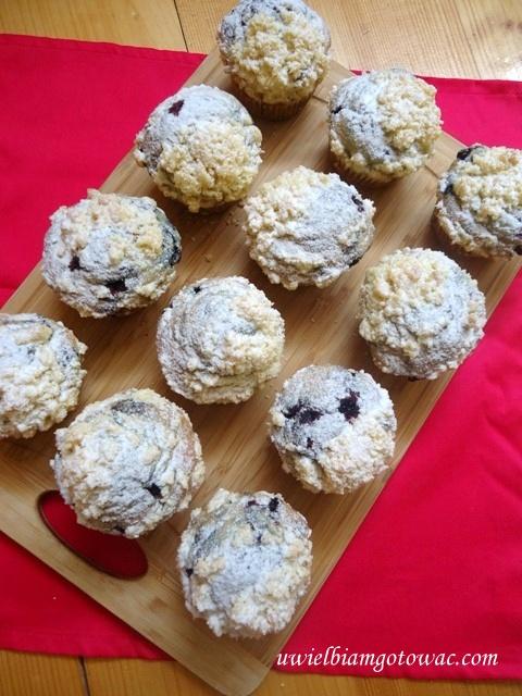 Muffinki z jagodami i kruszonką