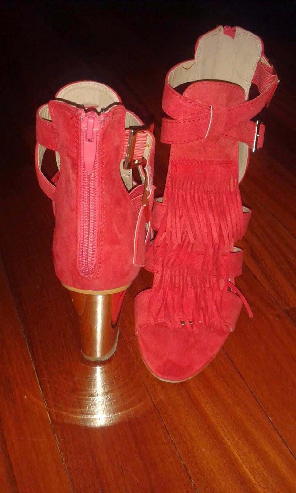 scarpe rosse con frange