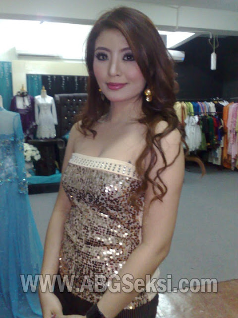 foto tante toge cantik hot