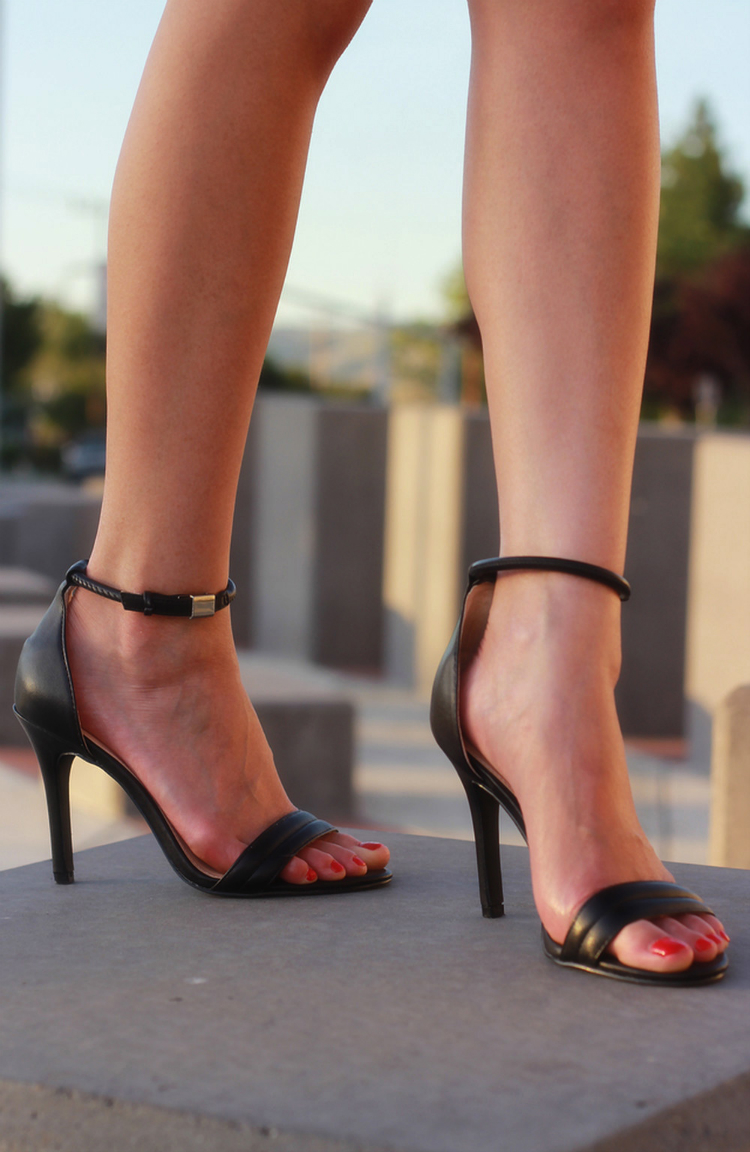 prabal gurung for target black ankle strap sandals