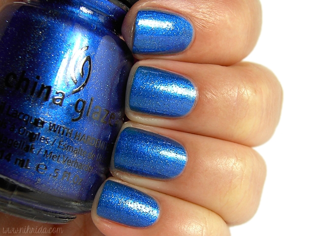 China Glaze - Eyes Like Sapphires