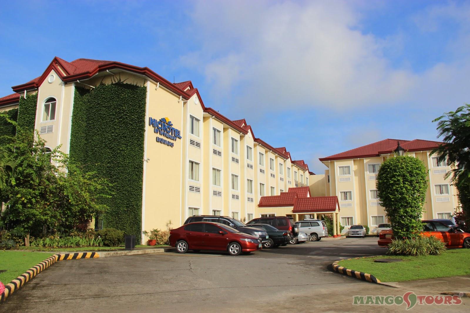 Mango Tours Microtel by Wyndham Sto. Tomas Batangas facade