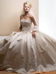 Abiti da sposa per bassa statura