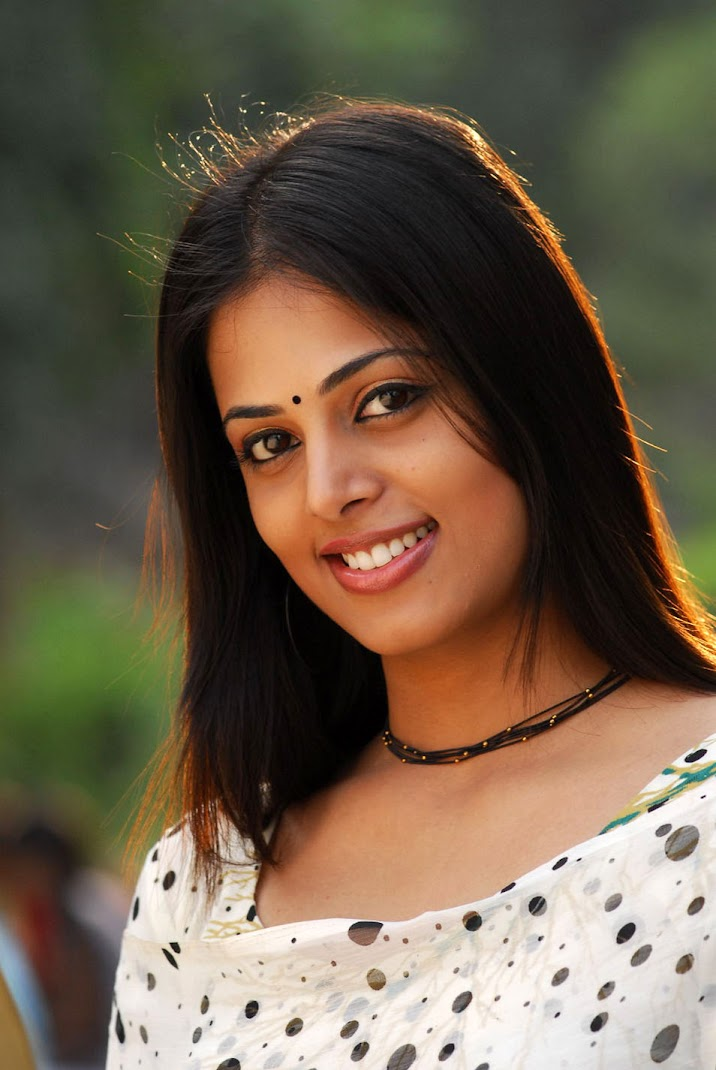 Sindhu Menon Face Closeup Stills
