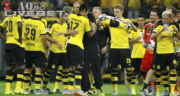 "Liputan Bola - Borussia Dortmund mengawali kompetisi Bundesliga musim 2015/2016 secara fantastis. Pasukan ""Die Borussen"" menang telak 4-0 melawan Borussia Moenchengladbach."