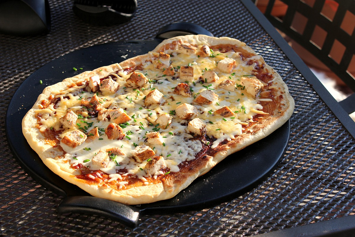My Life On A Plate: Grilled Barbecue Chicken Pizza