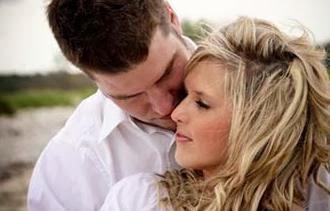 كتاب أمريكي : 48% من الرجال يقعون في الحب من النظرة الأولى مقابل 28% من النساء - love at first sight