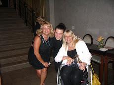 Con Julie y el tenor del Trío que interpretó hermosas canciones